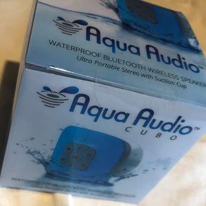 NIB Gideon Portable Aqua Audio Cube